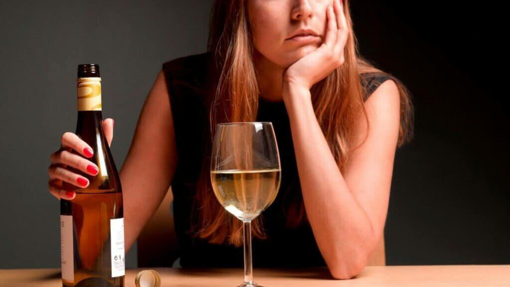 """drinking1-Ketamine Can Reduce Harmful Drinking by """"Rewriting"""" Your Memories"""